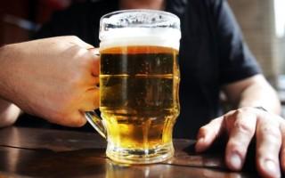 Почему Мужчина Пьёт Алкоголь: Причины и Следствия