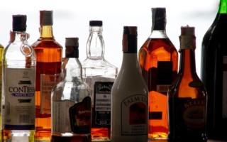 Как влияет алкоголь на холестерин: повышает или снижает уровень